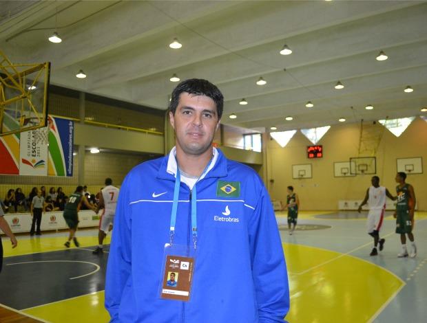 Técnico André Germano olimpiadas escolares (Foto: Ana Carolina Fontes/GLOBOESPORTE.COM)