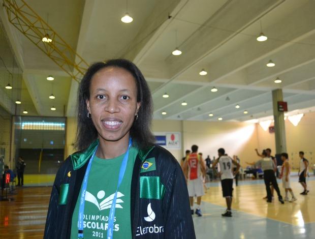 Janeth, embaixadora das Olimpíadas Escolares em Curitiba (PR) (Foto: Ana Carolina Fontes / GLOBOESPORTE.COM)