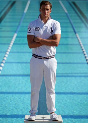 natação Ryan Lochte posa com roupa da Ralph Lauren (Foto: AP)