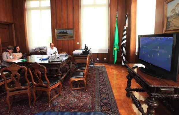 O governador Geraldo Alckmin assiste ao jogo do Santos (Foto: José Luis da Conceição / Divulgação)