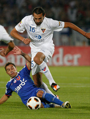 diaz barcos universidad do chile x ldu (Foto: Reuters)