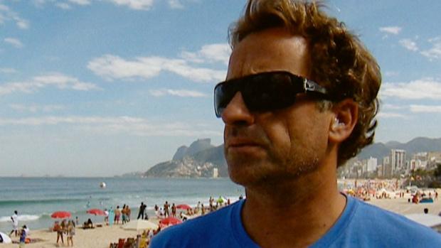 FRAME - Tom Curren, tricampeão mundial de surfe na década de 1980 (Foto: Reprodução SporTV)