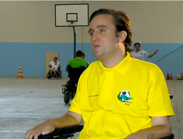 FRAME - Ricardo González, presidente da Associação Brasileira de Futebol em Cadeira de Rodas (Foto: Reprodução SporTV)