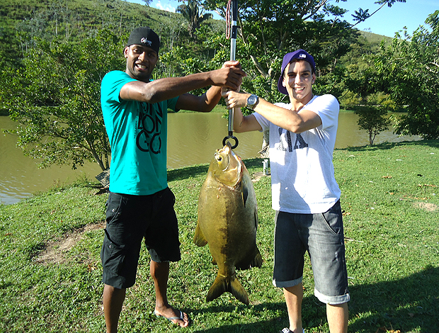 caio botafogo dedé vasco pescaria (Foto: Divulgação Fair Play Assessoria)