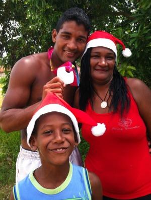 Yamaguchi Falcão, sua mãe Maria Olinda e o sobrinho Yuri (Foto: Bruno Marques/Globoesporte.com)