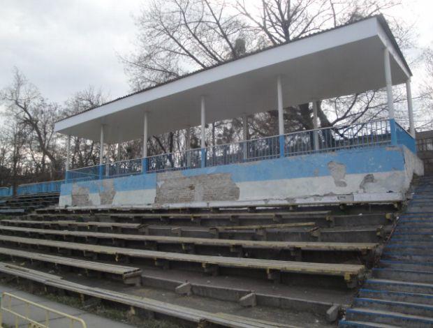 Estádio do 'jogo da morte' na Ucrânia (Foto: Rafael Maranhão/GLOBOESPORTE.COM)