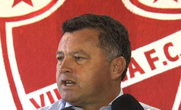 Roberto Cavalo, técnico do Vila Nova (Foto: Reprodução/TV Anhanguera)