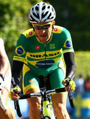 Otávio Bulgarelli na seleção brasileira de ciclismo  (Foto: Arquivo Pessoal)