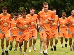 REC começa a treinar para temporada 2012 com apenas nove jogadores (Foto: Reprodução/TVCA)