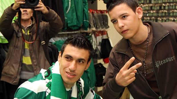 Xandão é apresentado no Sporting (Foto: Divulgação/Site Oficial do Sporting)