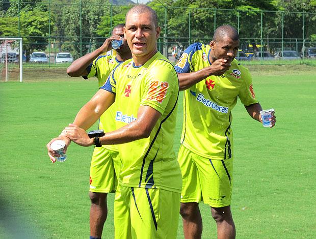 Eduardo Costa, Renato Silva e Kim Vasco treino (Foto: Gustavo Rotstein / Globoesporte.com)