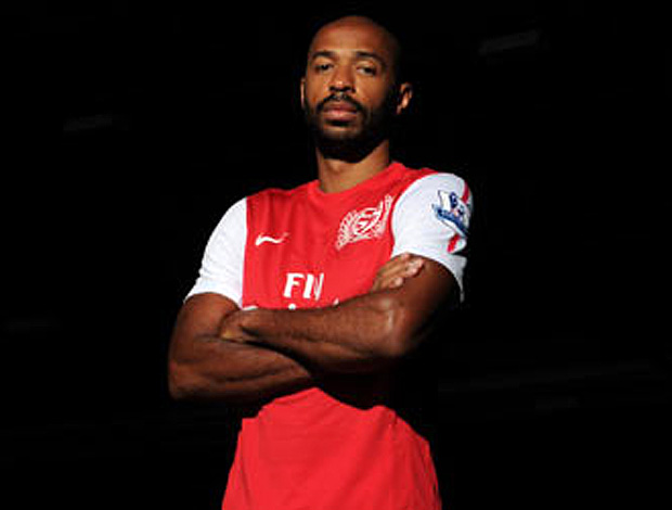 henry camisa arsenal (Foto: Divulga&#231;&#227;o Site Oficial do Arsenal)