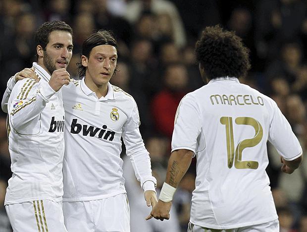 Gonzalo Higuaín gol Real Madrid (Foto: EFE)