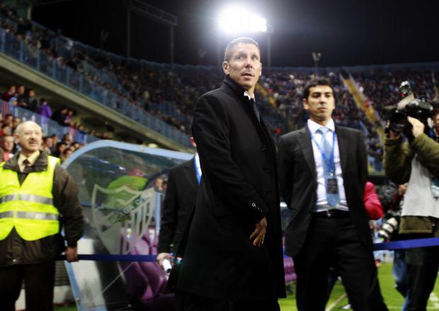 Diego Simeone, técnico do Atlético de Madri, contra o Málaga (Foto: EFE)