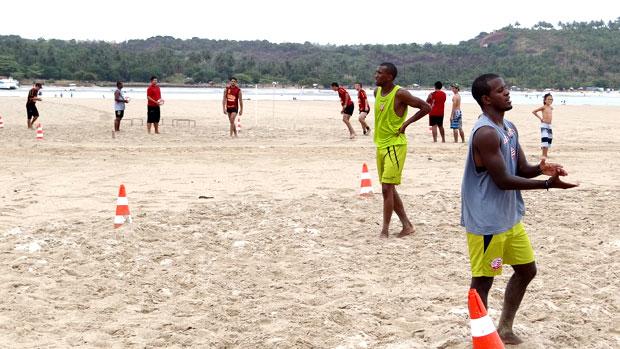 Náutico e Sport treinam lado a lado (Foto: Elton de Castro / GloboEsporte.com)