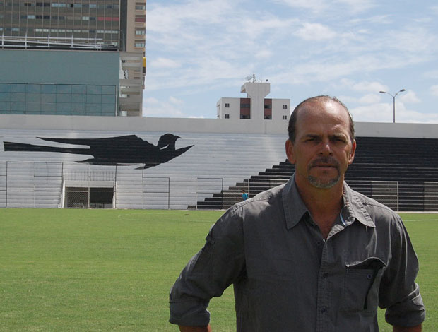 Alemão, técnico do Central (Foto: Tiago Medeiros / GloboEsporte.com)