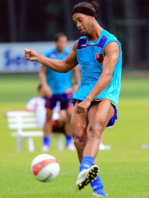 Ronaldinho no treino do Flamengo (Foto: Cezar Loureiro/Agência O Globo)
