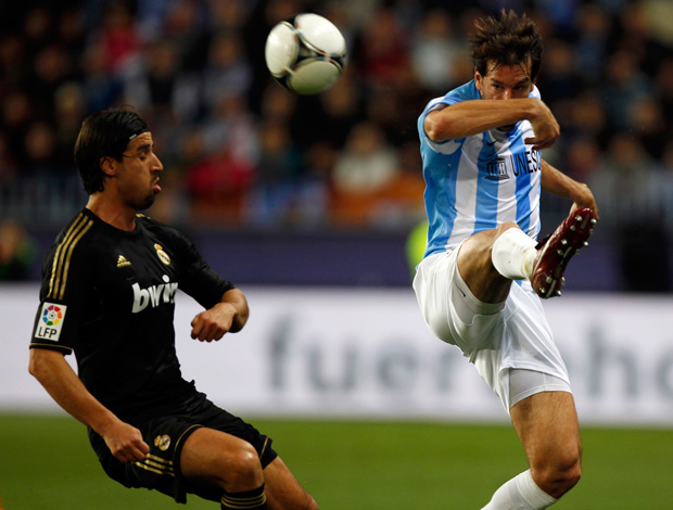 Van Nistelrooy e Khedira, Malaga x Real madrid (Foto: Reuters)