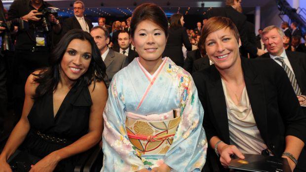Marta, Sawa e Wambach na premiação da Bola de Ouro (Foto: AFP)