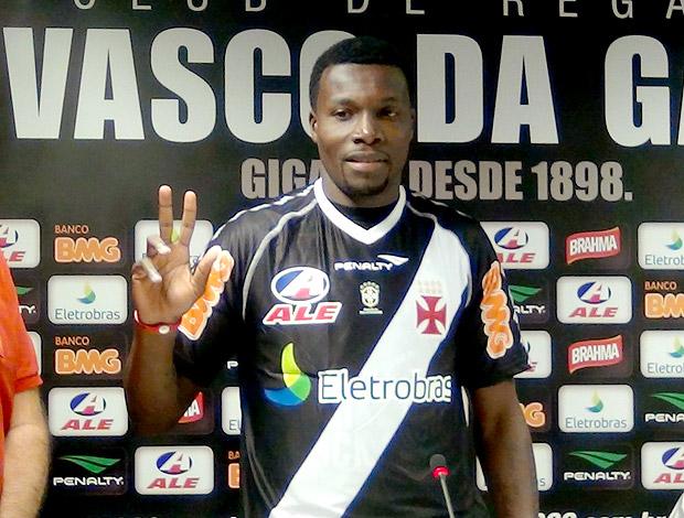 Carlos Tenório apresentado no Vasco (Foto: Marcelo Sadio / Site Oficial do Vasco da Gama)