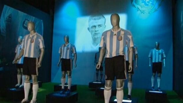 FRAME - Manequins de camisa da Argentina representam campeões do mundo (Foto: Reprodução SporTV)