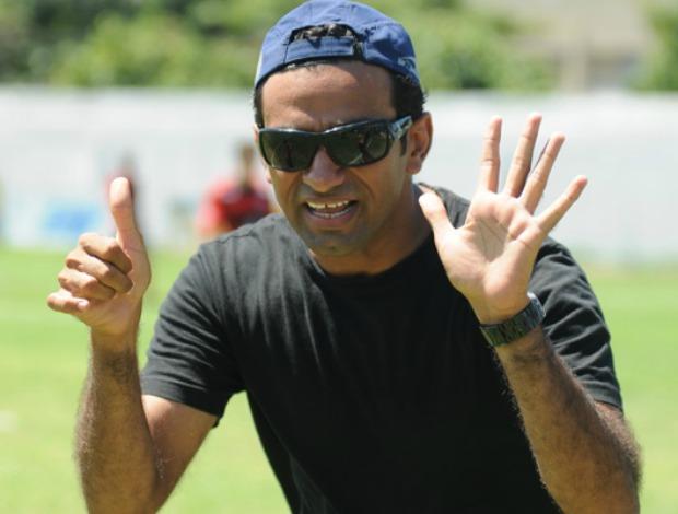 Mohammed Al Belushi, ex-técnico do Espírito Santo de Anchieta, nascido em Omã (Foto: Carlos Alberto da Silva/ Cedoc A Gazeta)