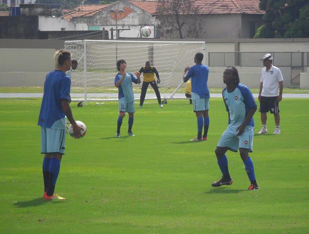 Jogadores Botafogo aquecimento no Engenhão (Foto: André Casado/Globoesporte.com)