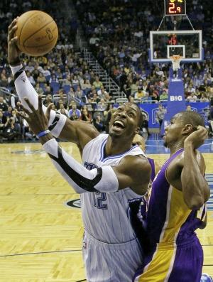 Dwight Howard NBA Orlando Magic x Los Angeles Lakers (Foto: AP`)