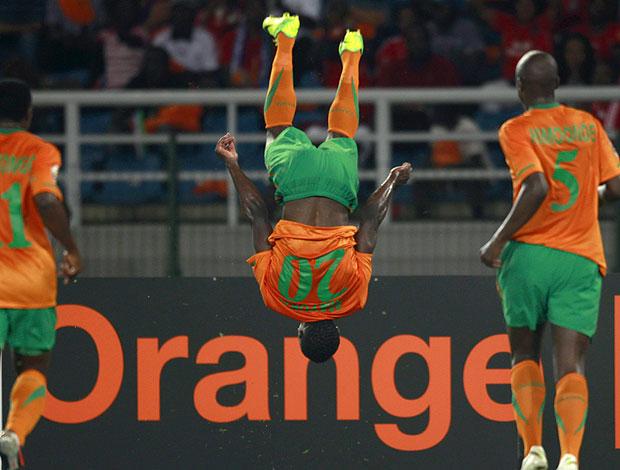 Emmanuel Mayuka gol Zambia (Foto: Reuters)