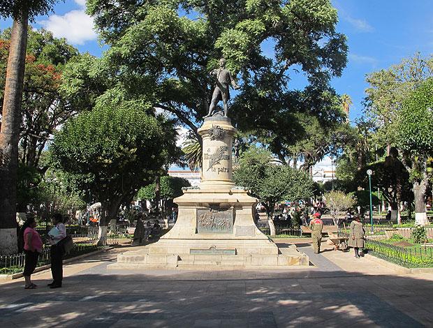 Praça 25 de maio Sucre Flamengo (Foto: Richard Souza / Globoesporte.com)
