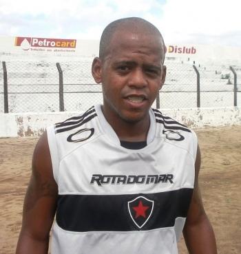 Buiú, atacante do Botafogo-PB (Foto: Divulgação / Botafogo-PB)
