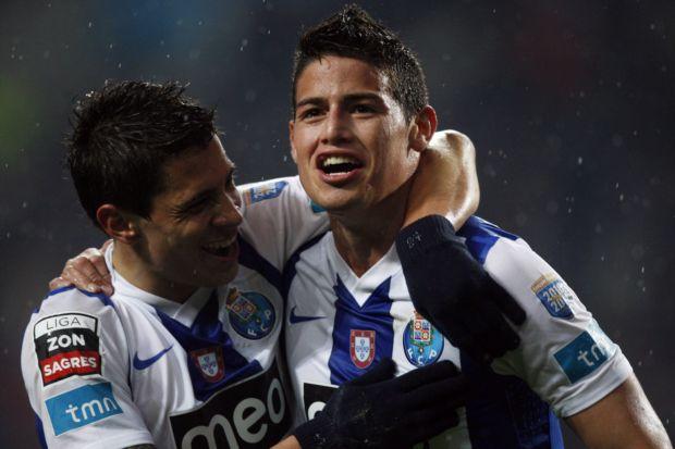 Rodríguez comemora gol na vitória do Porto (Foto: Agência Efe)