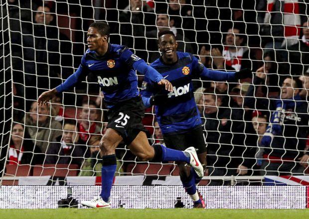 Valencia e Welbeck marcaram os gols do United no clássico contra o Arsenal (Foto: Agência Efe)