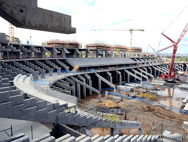 obras na Arena do Grêmio para a Copa 2014 (Foto: Edu Andrade / Ag. Estado)