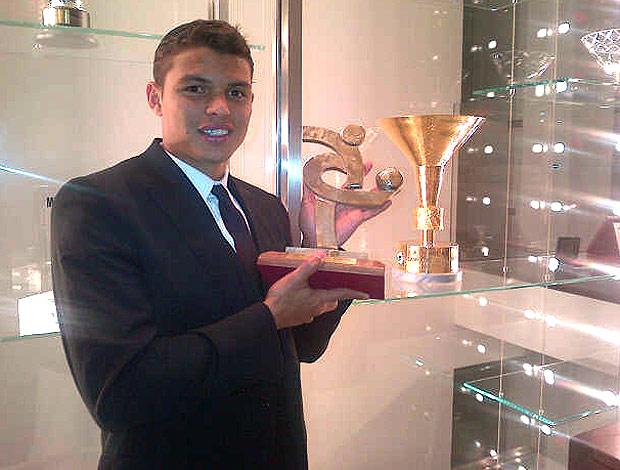 Thiago Silva ganha prêmio no futebol italiano (Foto: Divulgação)