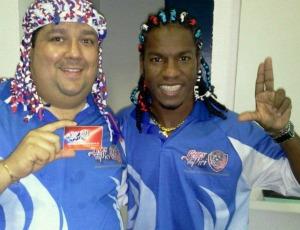Fabio Mota, ao lado de Geraldo, com a peruca (Foto: Arquivo Pessoal/Fabio Mota)