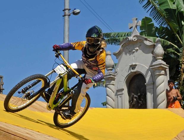 Luana de Oliveira Descida das Escadas (Foto: Ivan Storti/Globoesporte.com)