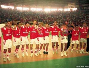 Equipe campeã do mundo em 1997 (Foto: José Dorval/Divulgação)