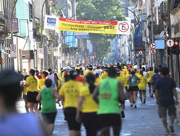 Circuito Rio Antigo : Sob sol forte lapa recebe seis mil corredores pelo
