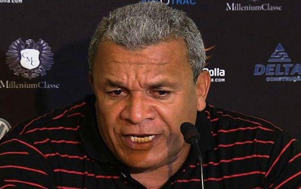 Hélio dos Anjos, técnico do Atlético-GO (Foto: Reprodução/TV Anhanguera)