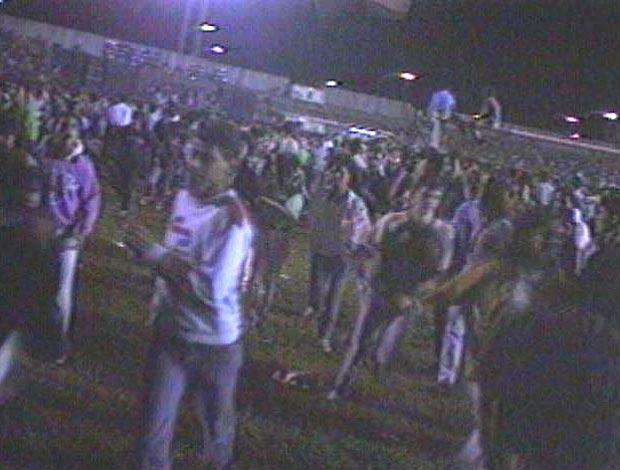 FRAME confusão no estádio Mané Garrincha (Foto: Reprodução)