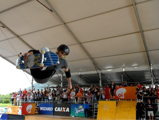 marcelo bastos skate vertical (Foto: Divulgação)