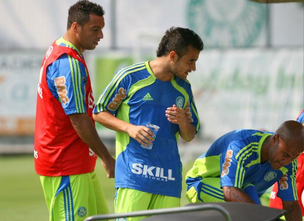 Daniel Carvalho, Maikon Leite e Marcos Assunção, do Palmeiras (Foto: Anderson Rodrigues / globoesporte.com)