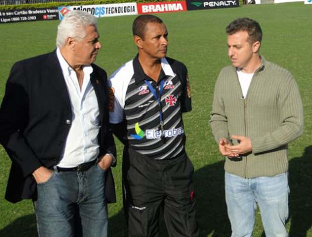 Gilson na equipe do Vasco antes de assumir a Guin&#233; Equatorial (Foto: Marcelo Baltar / Globoesporte.com)