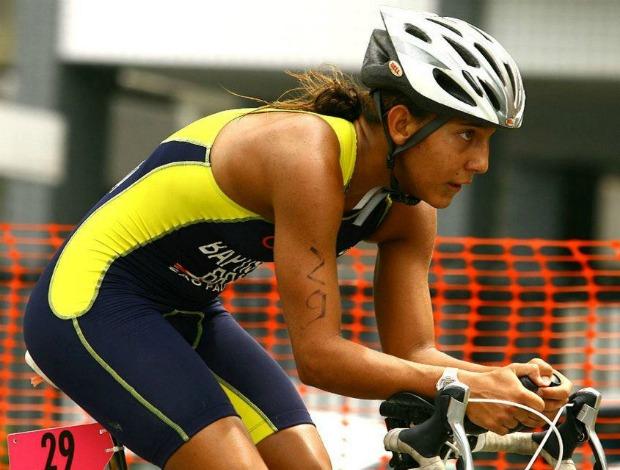 Luísa Duarte Mundialito de Triatlo Rápido treina ciclismo (Foto: Divulgação)