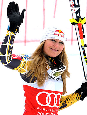 Lindsey Vonn no pódio da Copa do Mundo de esqui (Foto: Getty Images)