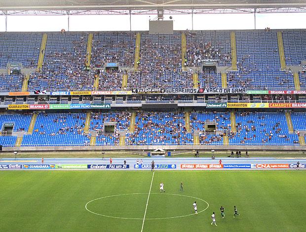 torcida no Engenhão para o jogo entre Vasco e Boavista (Foto: Thiago Fernandes / GLOBOESPORTE.COM)