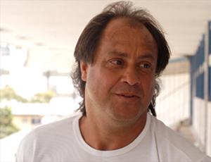 Samuel Batista, técnico do Serra (Foto: Gildo Loyola/A Gazeta)