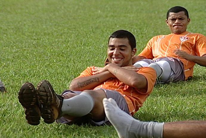 Thiago Marin, do Uberaba Sport, no treino físico (Foto: Reprodução/ TV Integração)