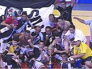 Jogadores do Mixto vencem fase fase metropolitana da Copa Centro América (Foto: Reprodução/TVCA)